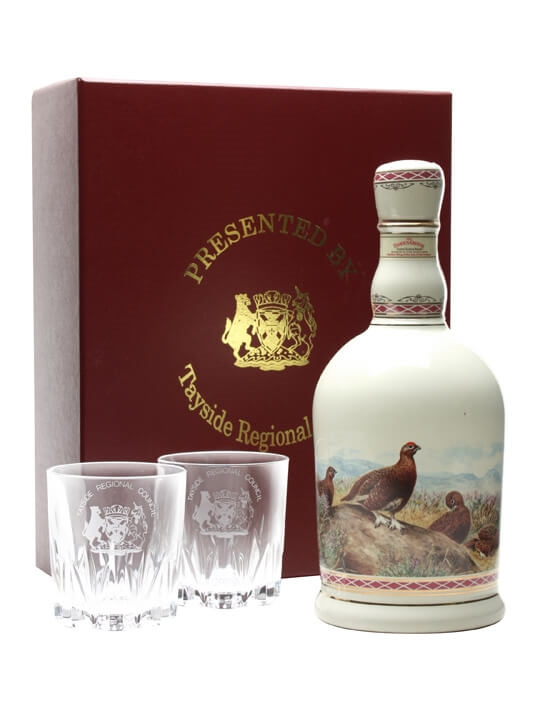 Famous Grouse / Highland Decanter / 2 Glasses Blended Scotch Whisky