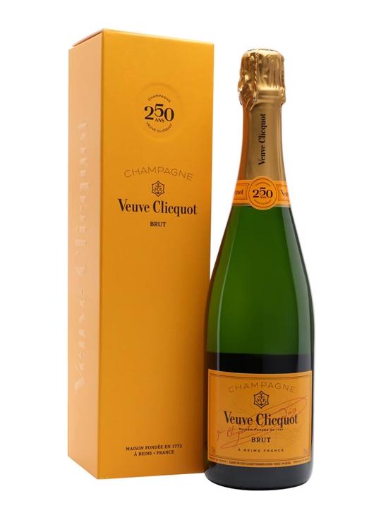 Veuve Clicquot Yellow Label NV / Gift Box