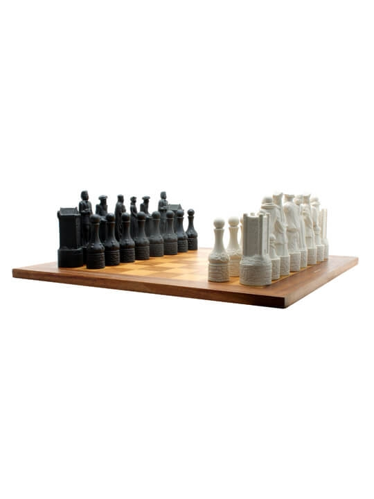 Beneagles Ceramic Chess Set With Board The Whisky Exchange