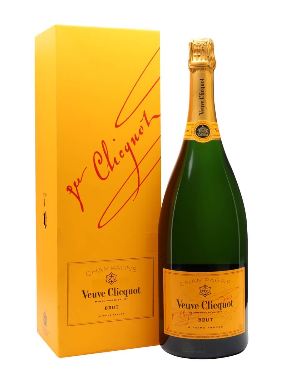 Veuve Clicquot Yellow Label NV Champagne / Magnum / Gift Box