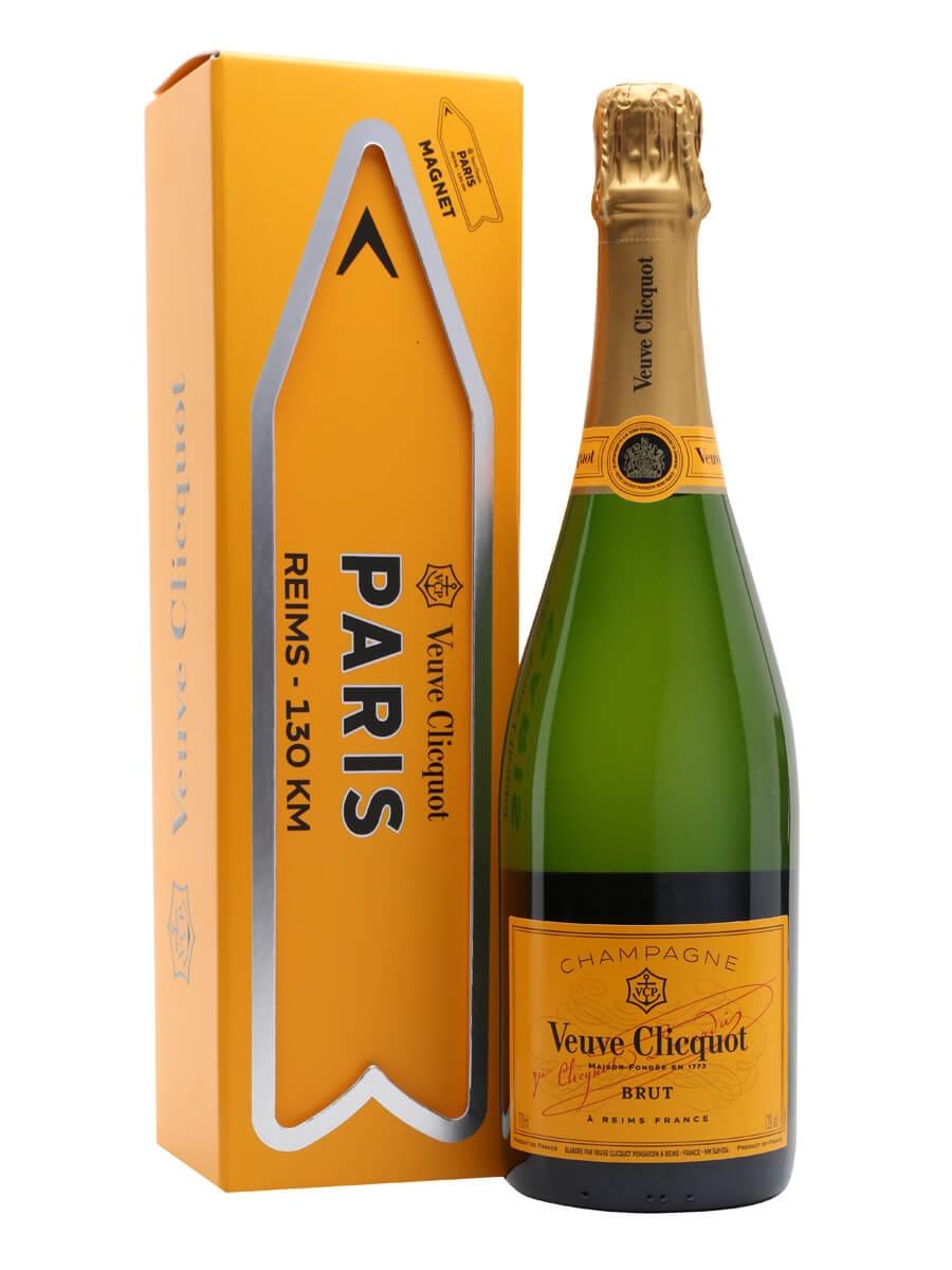 Veuve Clicquot Yellow Label Ch&agne Magnet Gift Box  sc 1 st  The Whisky Exchange & Veuve Clicquot Yellow Label Champagne - Magnet Gift Box : The Whisky ...