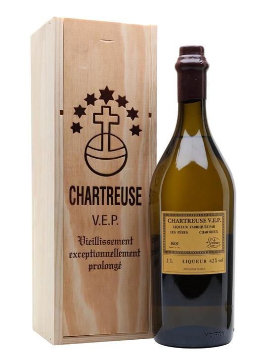 Chartreuse Yellow VEP Liqueur / Litre